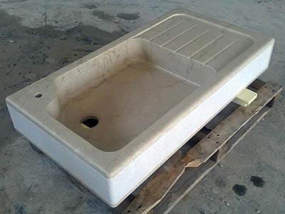 Lavandino da cucina in botticino con gocciolatoio