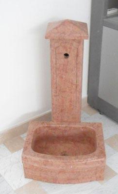 Fontanella in rosso Asiago Lavorazione Marmi a Venezia: Marmi Piccolo