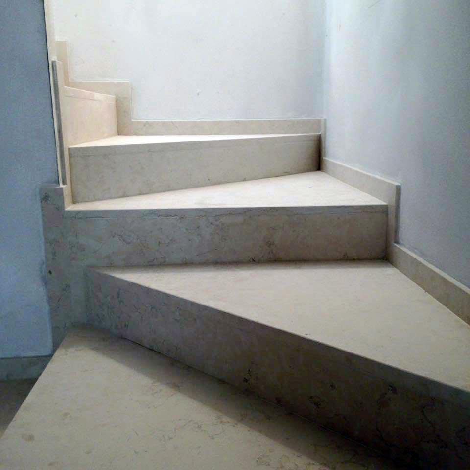 Produzione scale in marmo in provincia di venezia - Marmo per scale ...